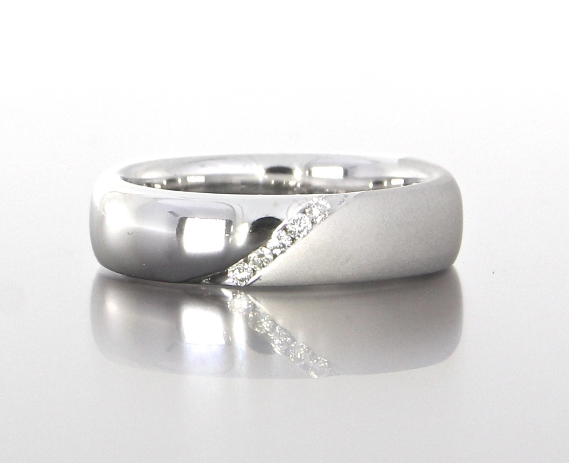 unique-polished-matte-diamond-mens-wedding-band-custom-craft-revival-jewelry-store-grand-rapids