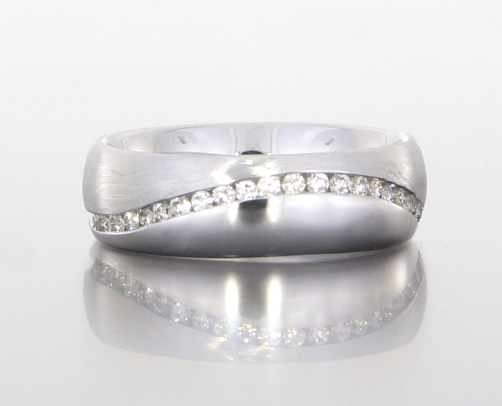 unique-textured-diamond-band-wedding-band-craft-revival-jewelry-store-grand-rapids