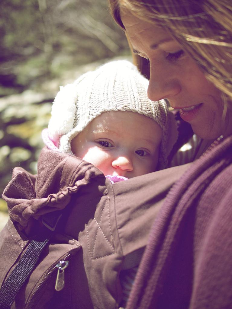 Babywearing in Copake