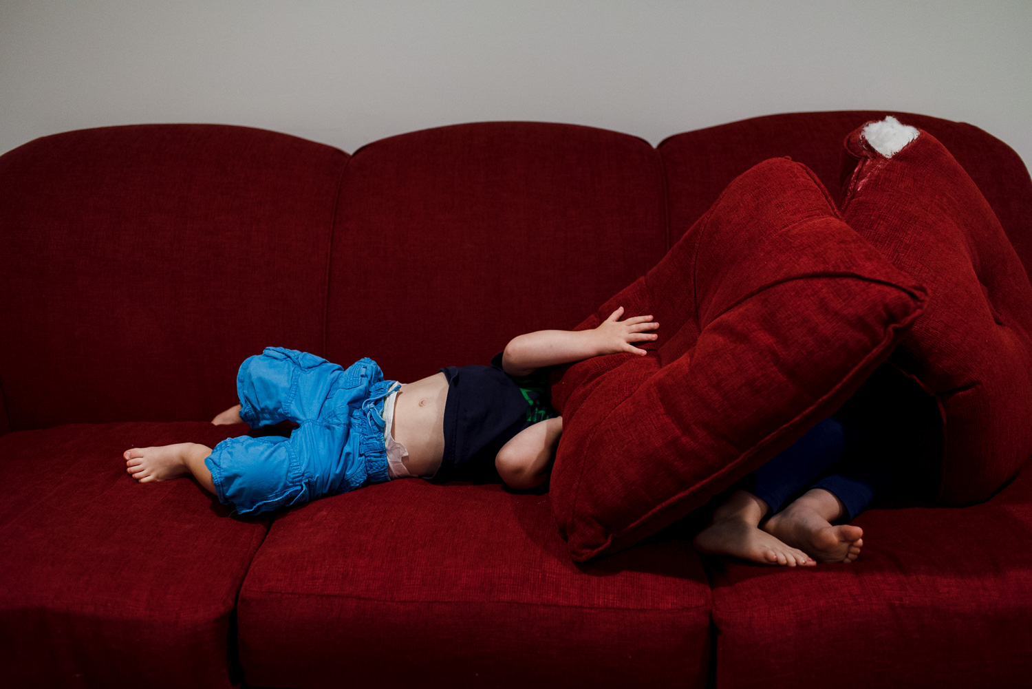 Francesca Russell Photography | Long Island Family Documentary Photography | Couch play