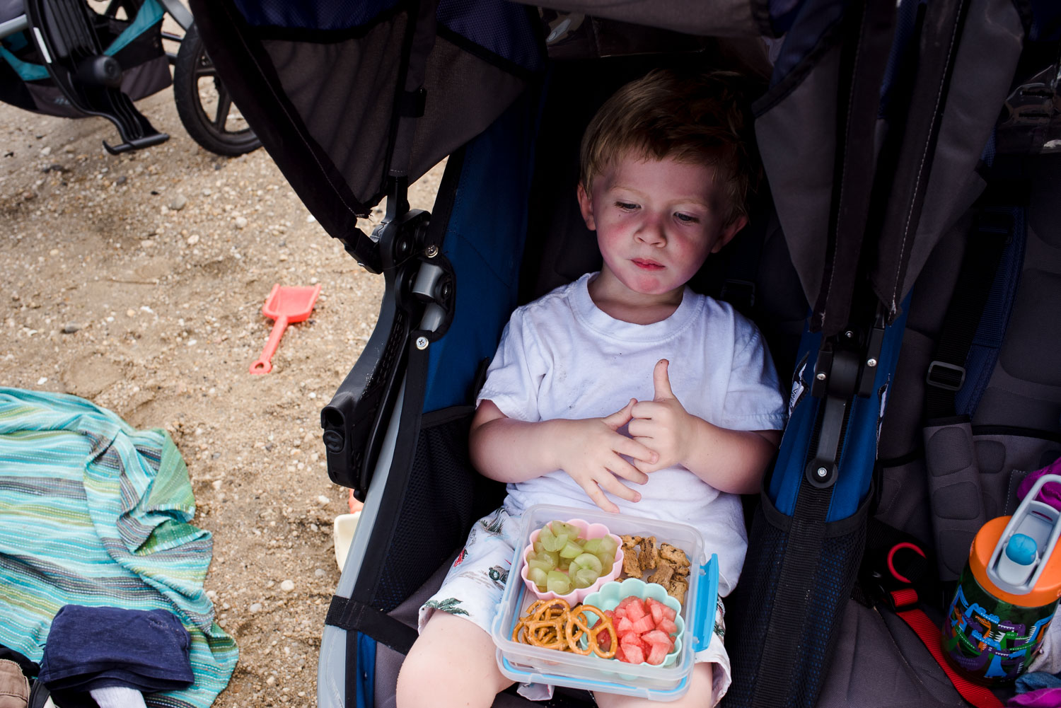 Francesca Russell Photography | Long Island Family Documentary Photography | Lunch in the stroller