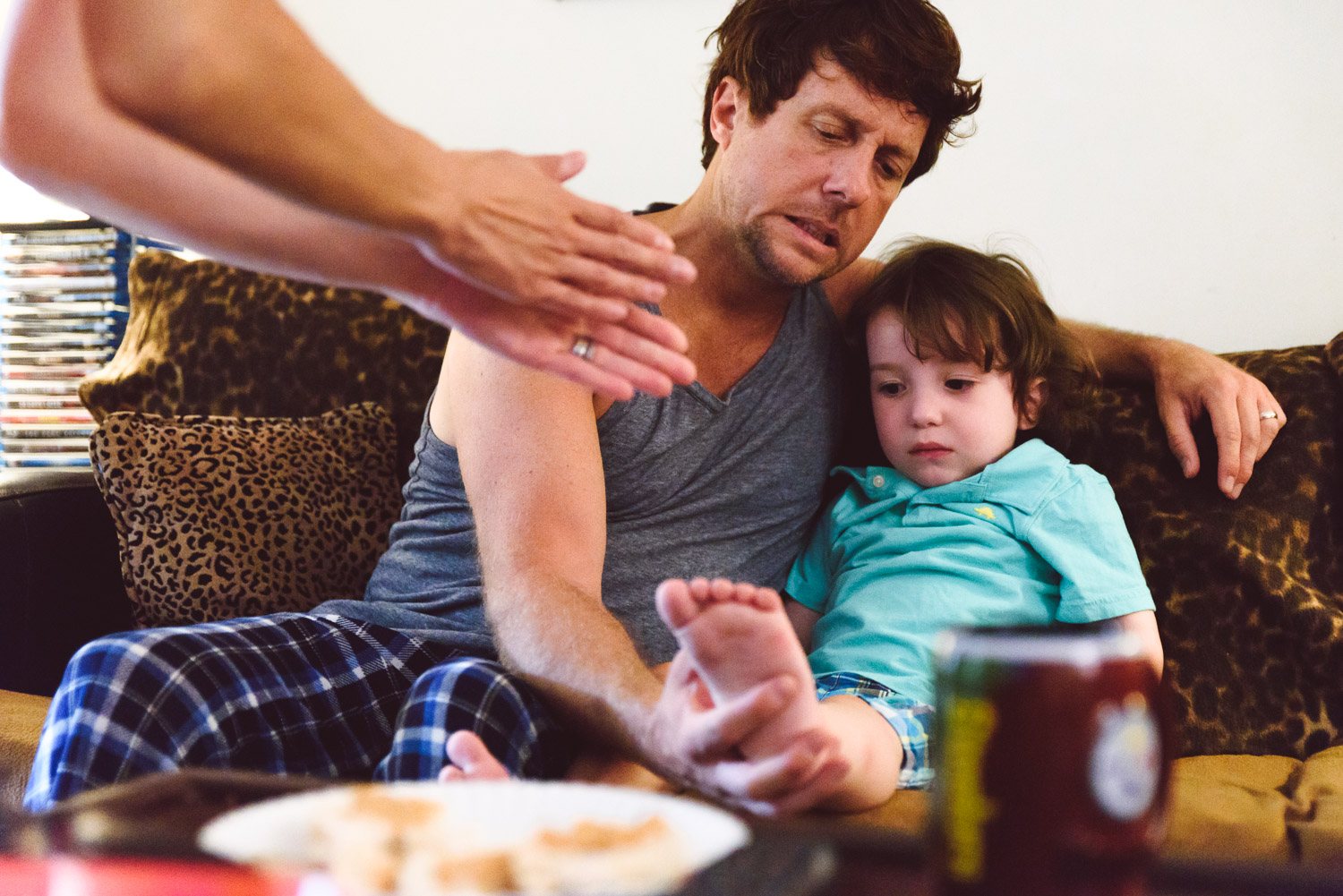 Francesca Russell Photography | Astoria, Queens Family Photographer | Hurt ankle