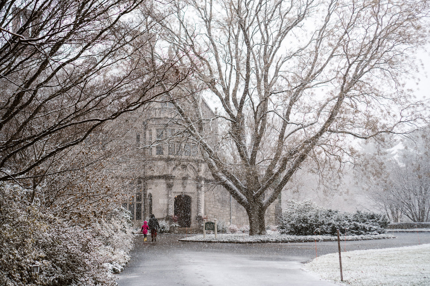 A snowy day at Coe House at Planting Fields Arboretum.