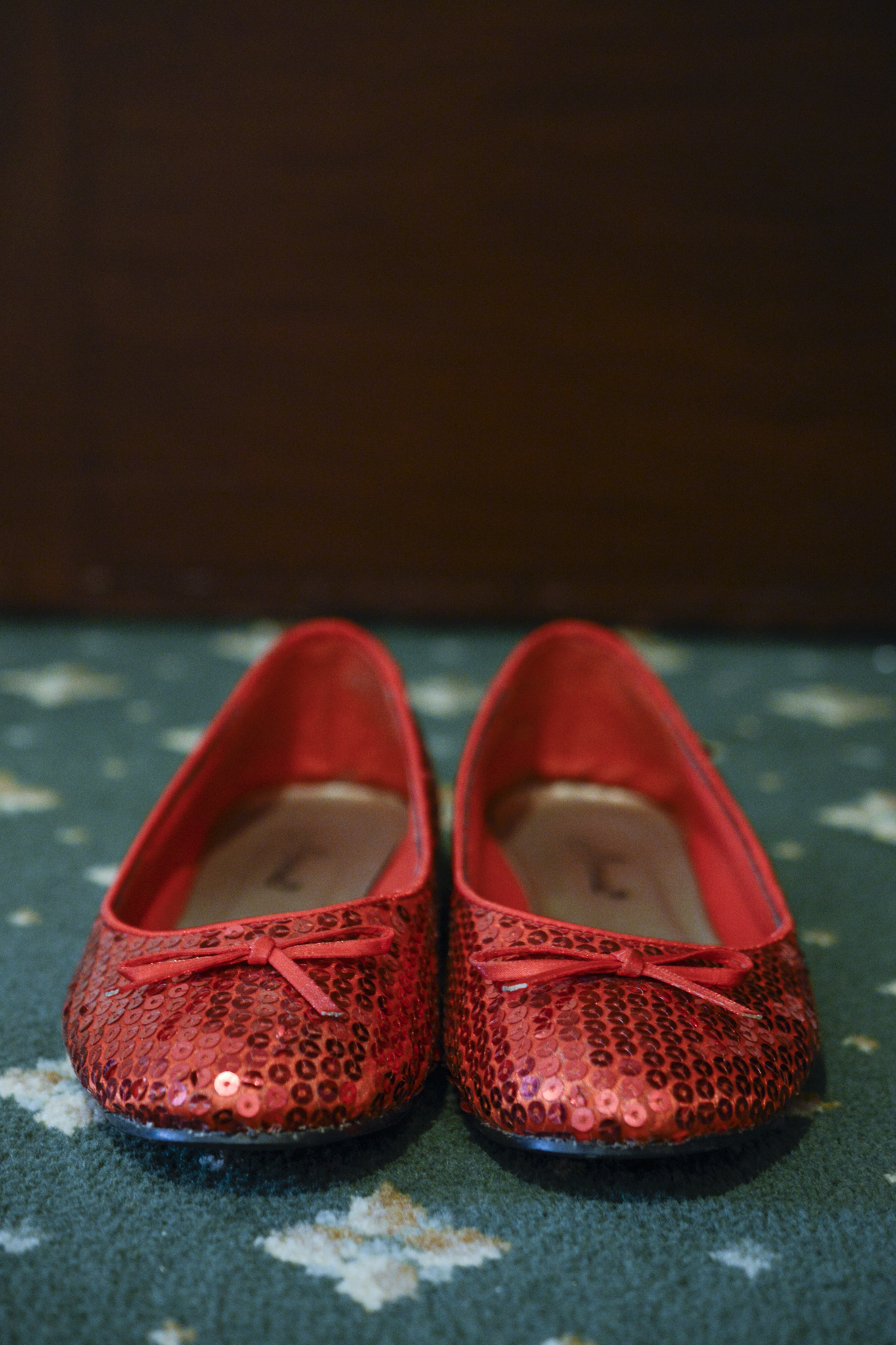 Sparkly red wedding shoes
