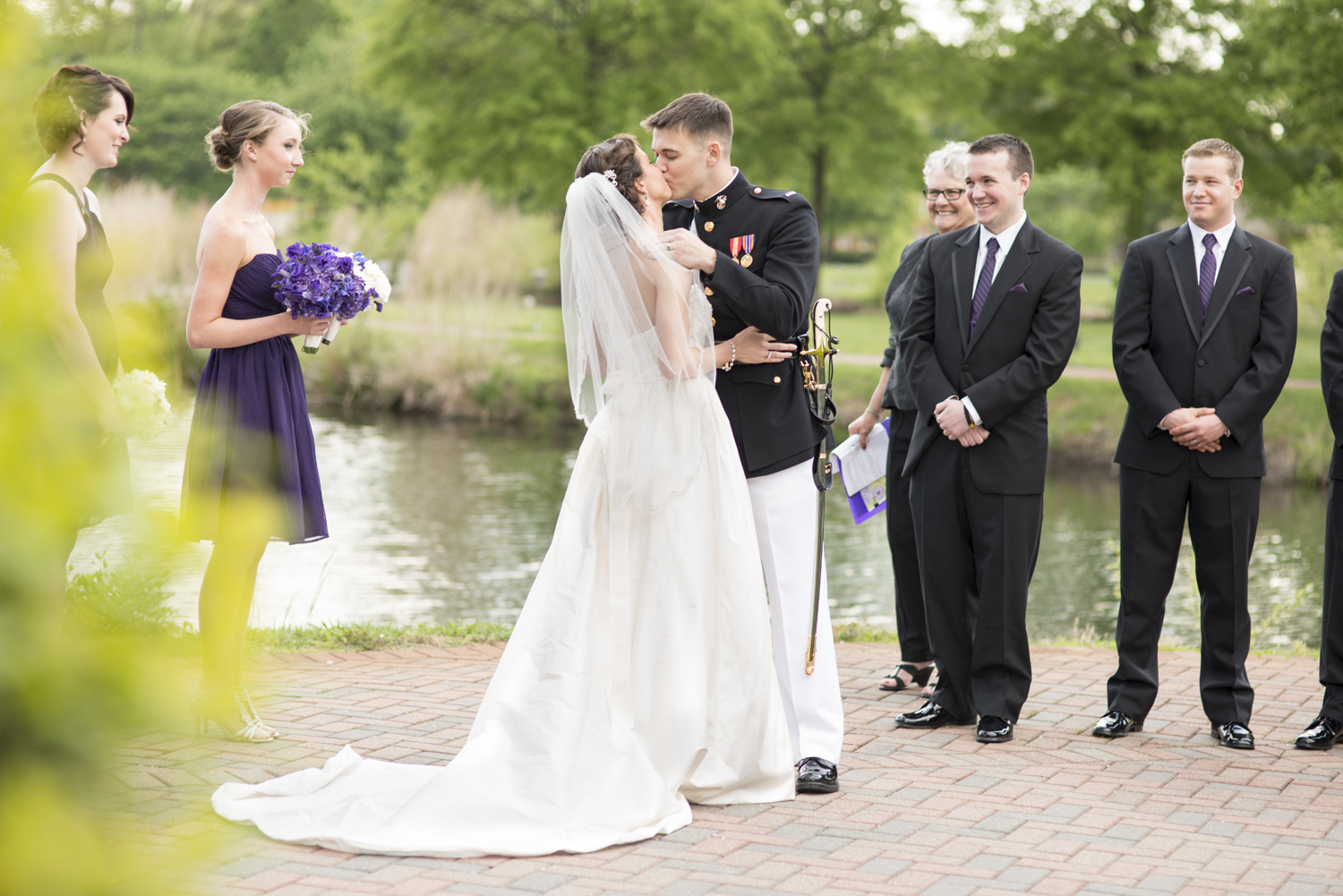Bride and groom's first kiss | Maria Grace Photography