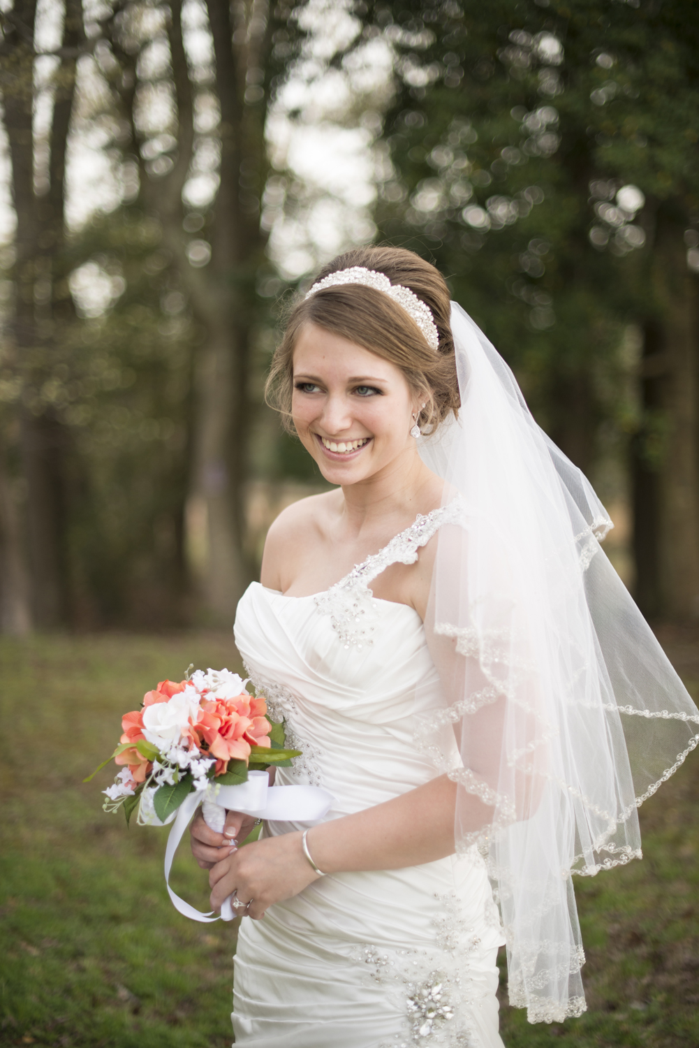 A stunning, giggling, beautiful bride during her bridal portraits | Maria Grace PHotography