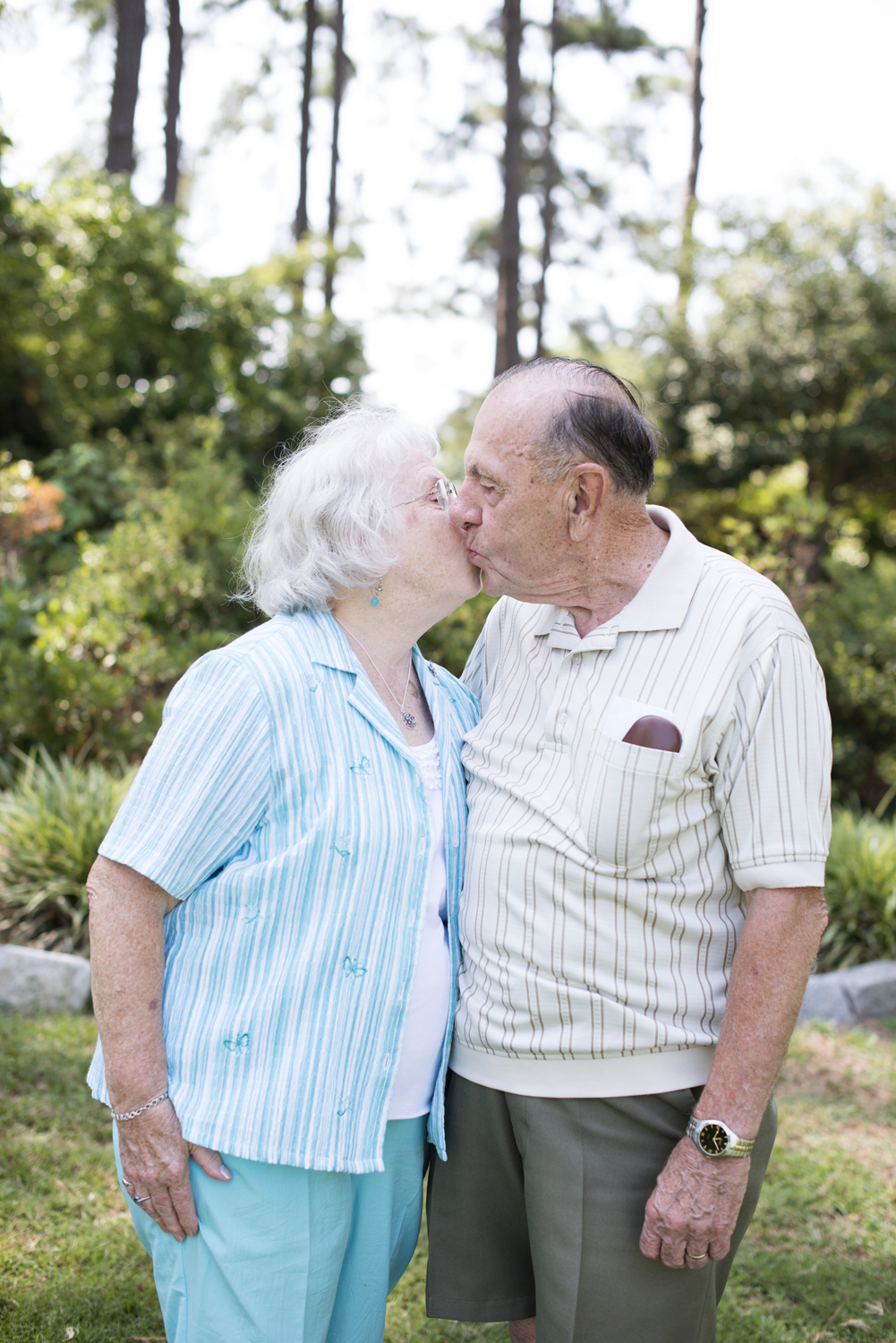 Great grandparents celebrate over 50 years together at family portraits in Portsmouth, Virginia