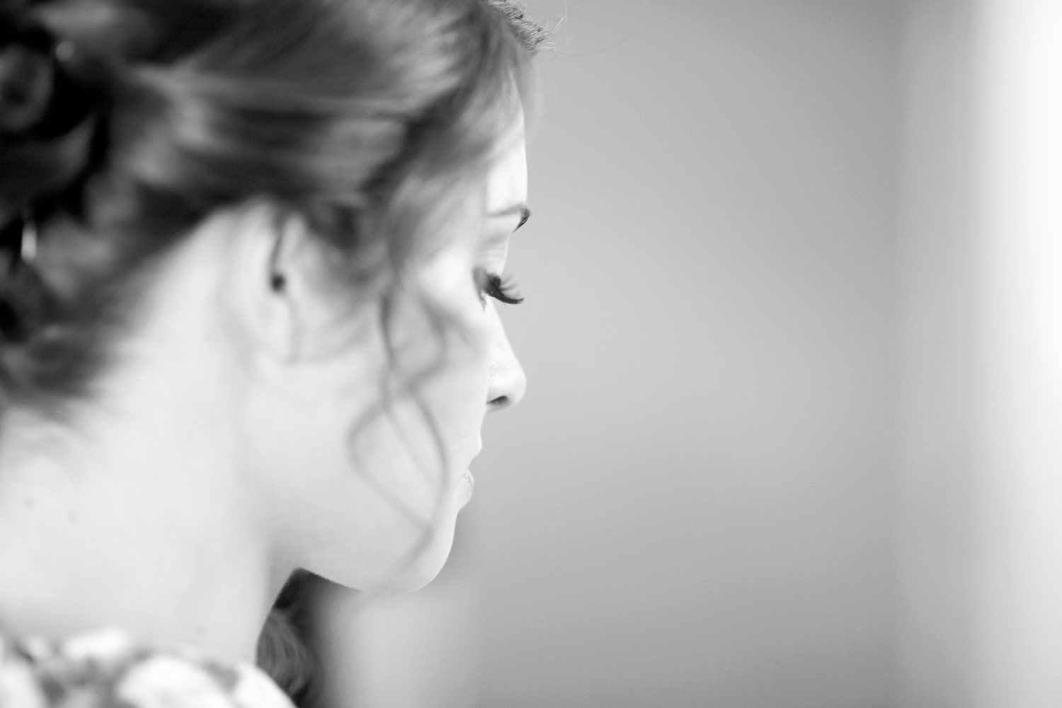 Black and white macro bridal portrait | Portsmouth Woman's Club in Virginia