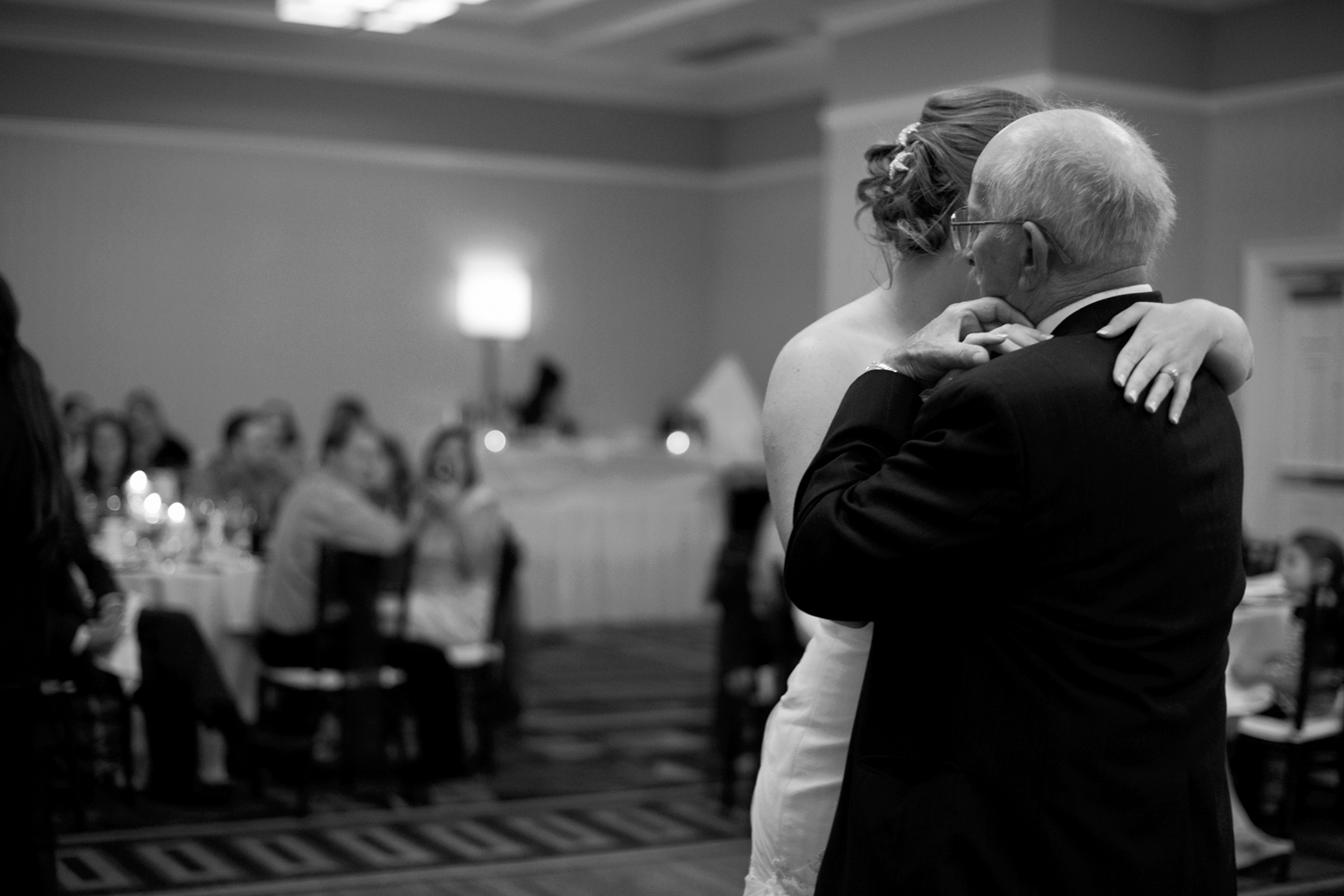 Sweet father daughter dance  | Fall hotel wedding in Virginia Beach