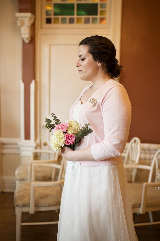 A bride walks down the aisle as she elopes | Magnolia House Inn
