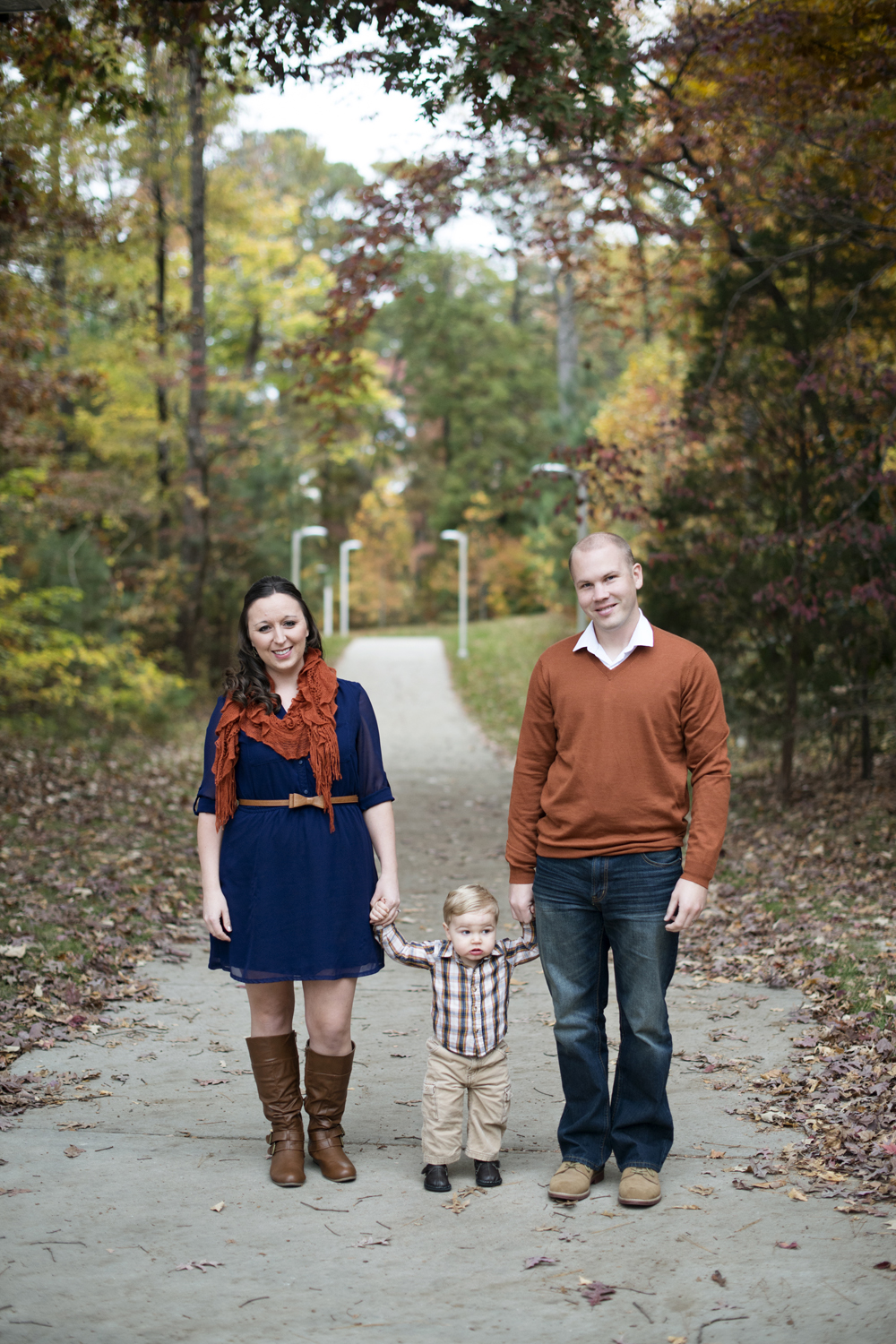Fall family picture ideas for family of three