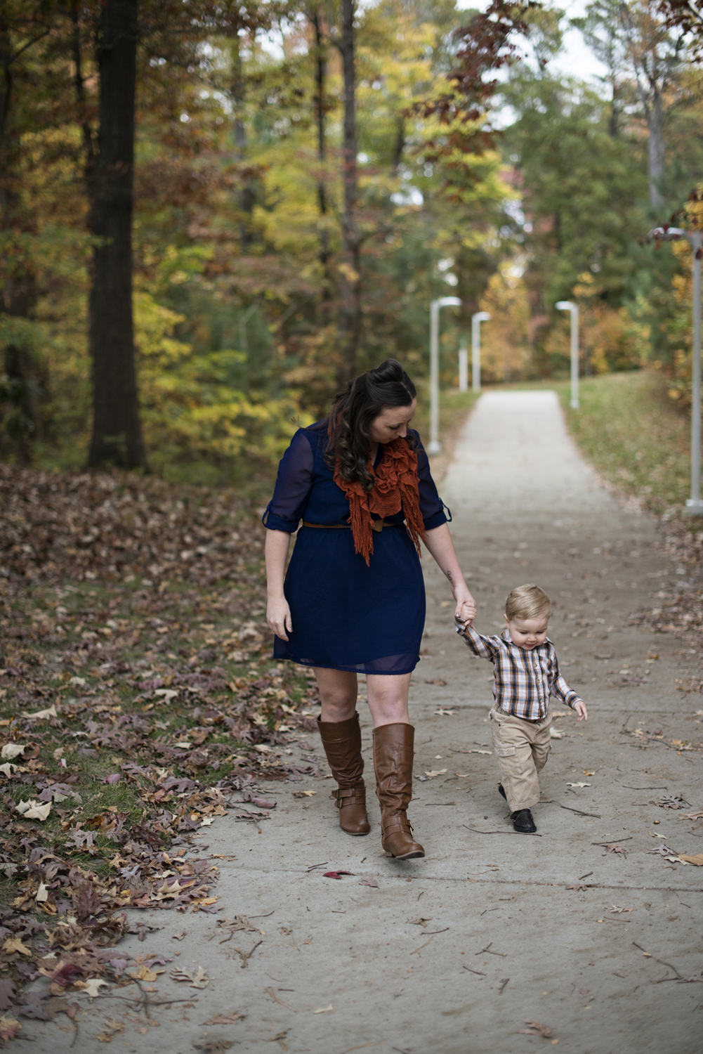Cute family picture ideas for mom and baby