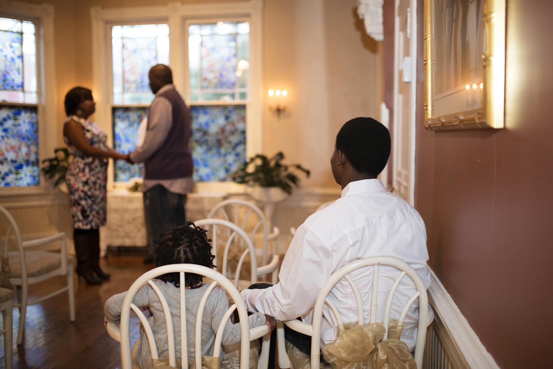 Two kids watch their parents getting marriedMagnolia-House-Inn-Hampton-Virginia-Wedding