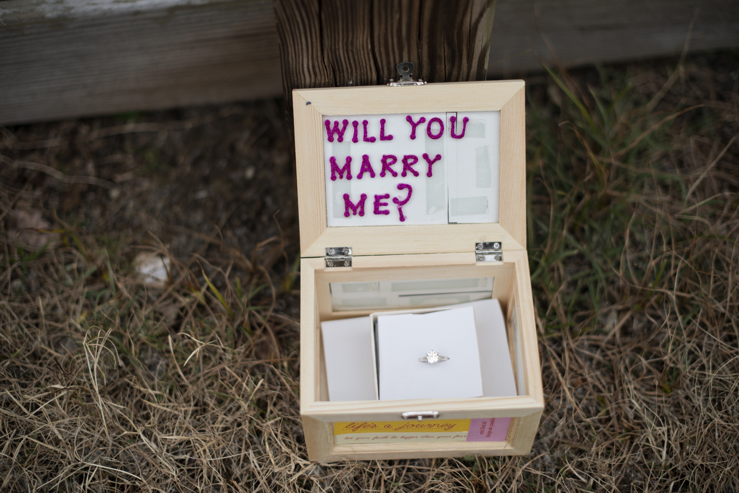 Cute ways to propose - a wooden box with Will You Marry Me