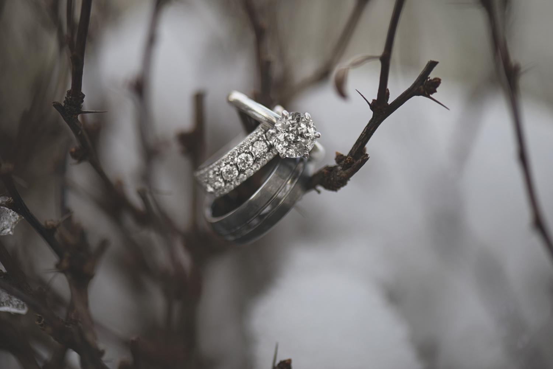 Ring detail shot | Macro photography | Winter wedding