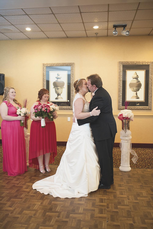 First kiss at wedding | Military wedding
