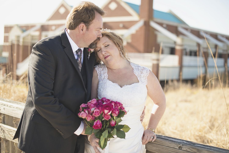 Virginia Beach wedding pictures | Bride and groom portraits