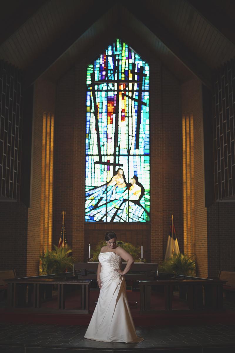 Iconic bridal portrait   United Methodist Church