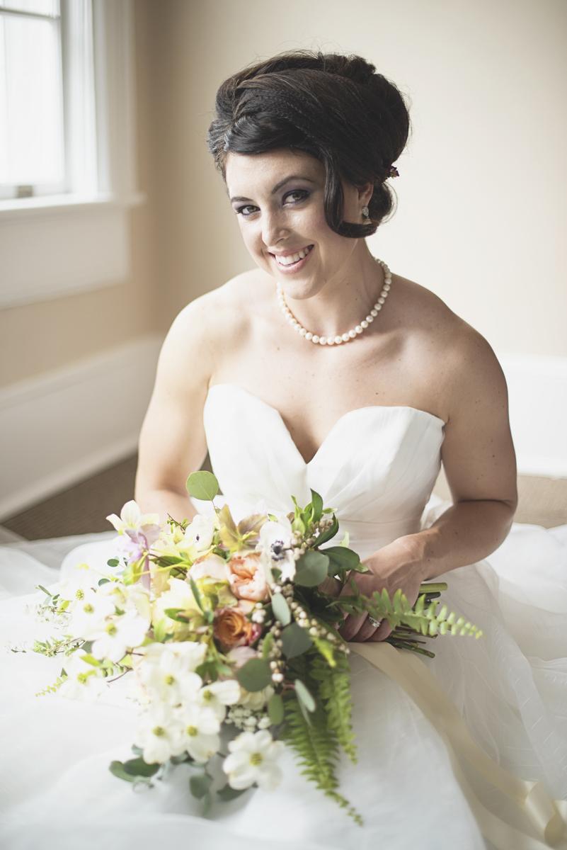 Sweet bridal portrait posing ideas