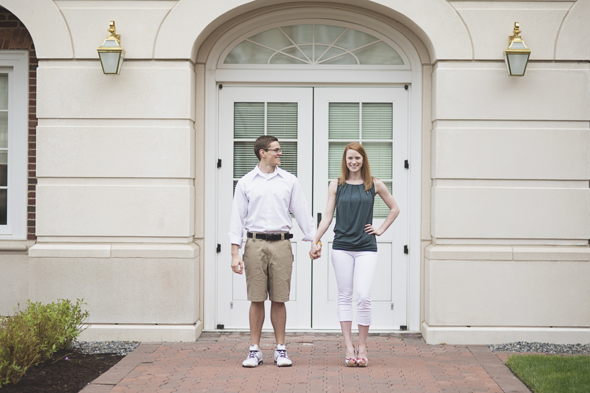 Cute engagement session poses | Emerald green, white, and khaki