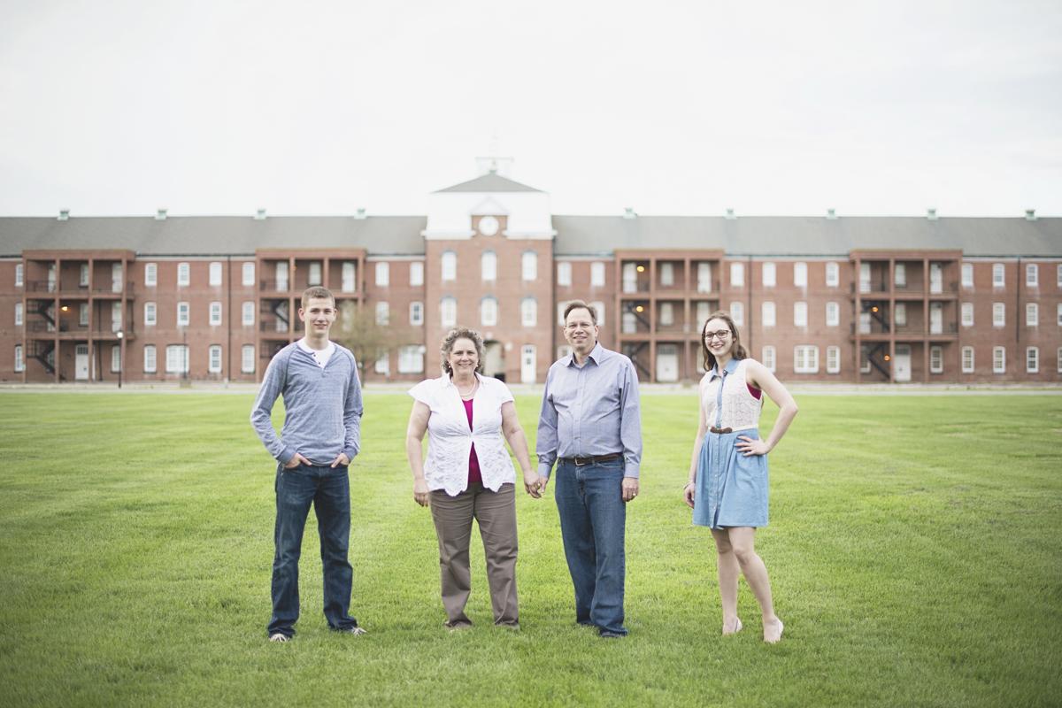 Family portrait session   Historic mansion