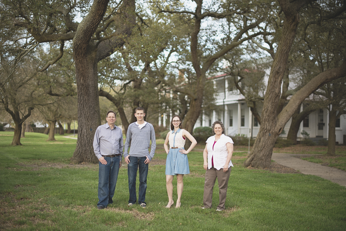 Family portrait session in Virginia   Spring family pictures