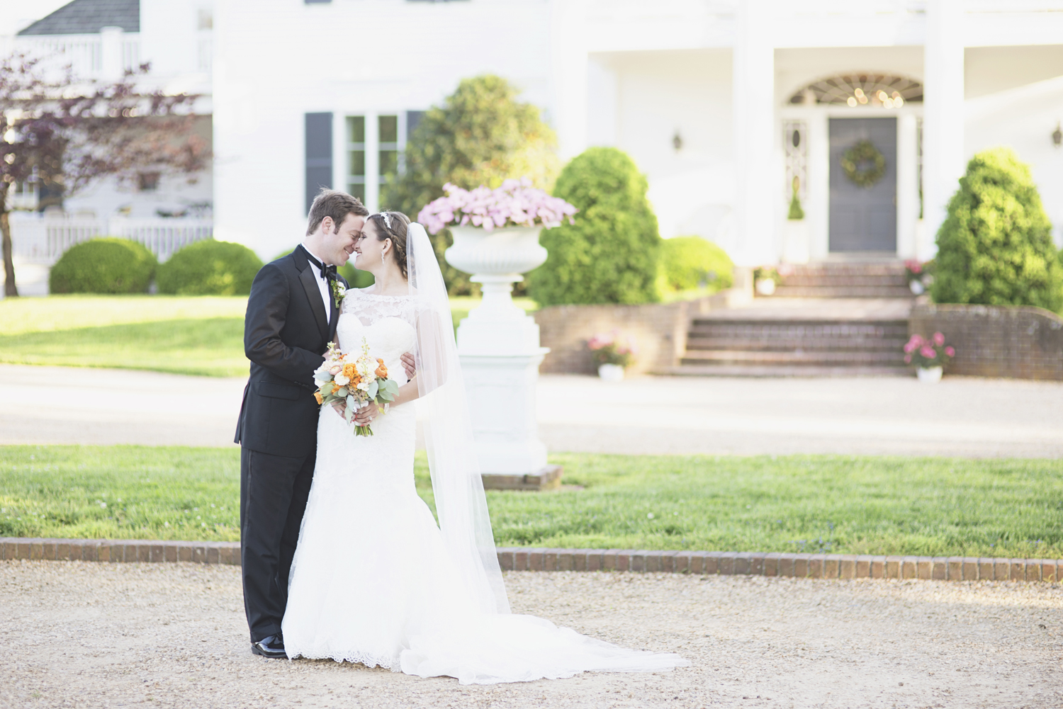 Inn at Warner Hall Wedding P  hotography | Bride & groom pictures