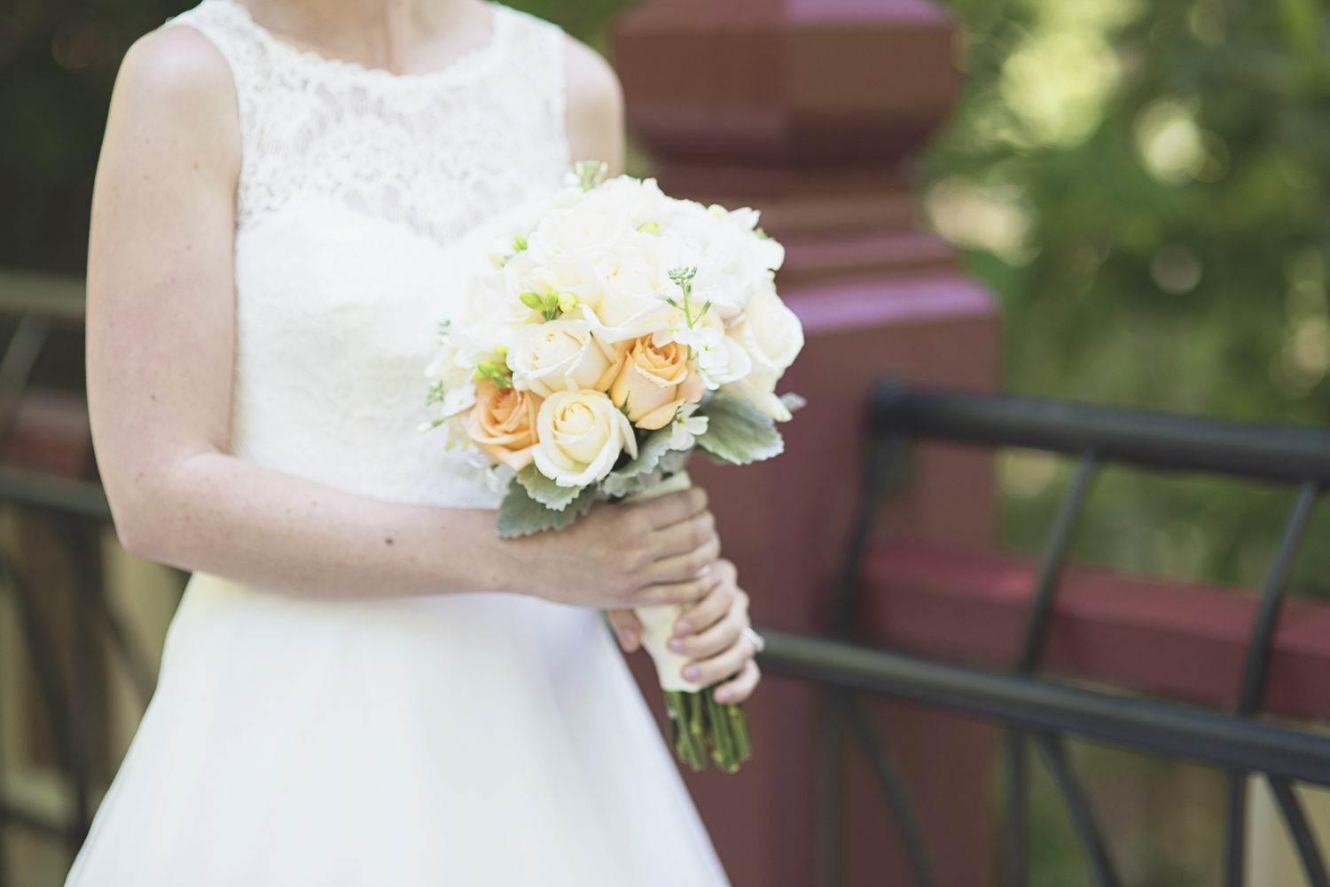 Crim Dell Bride at William and Mary Wedding |   Peach and white bridal bouquet