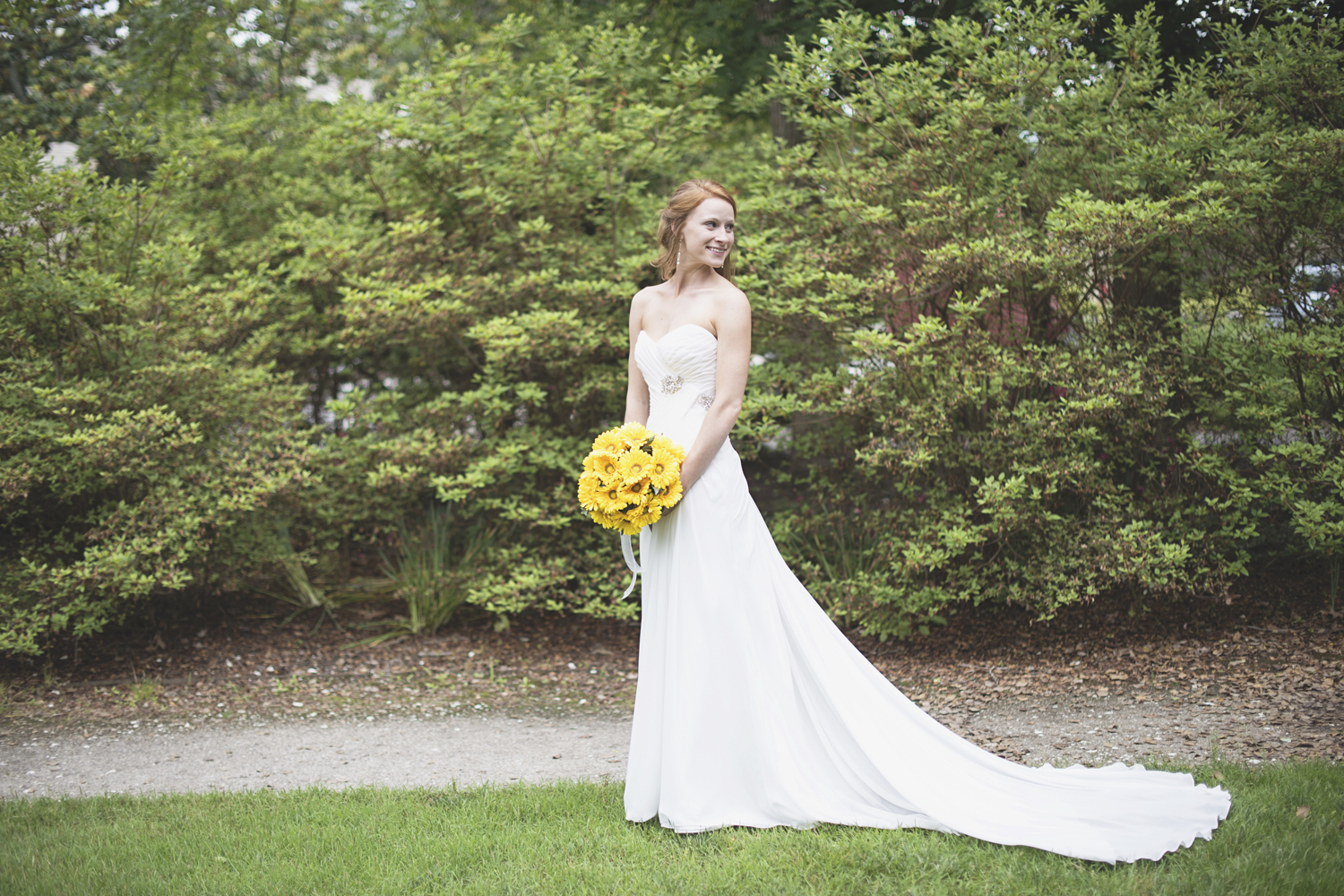 Mariners Museum Wedding | Newport News, Virginia |  Bridal portrait with yellow daisy bouquet