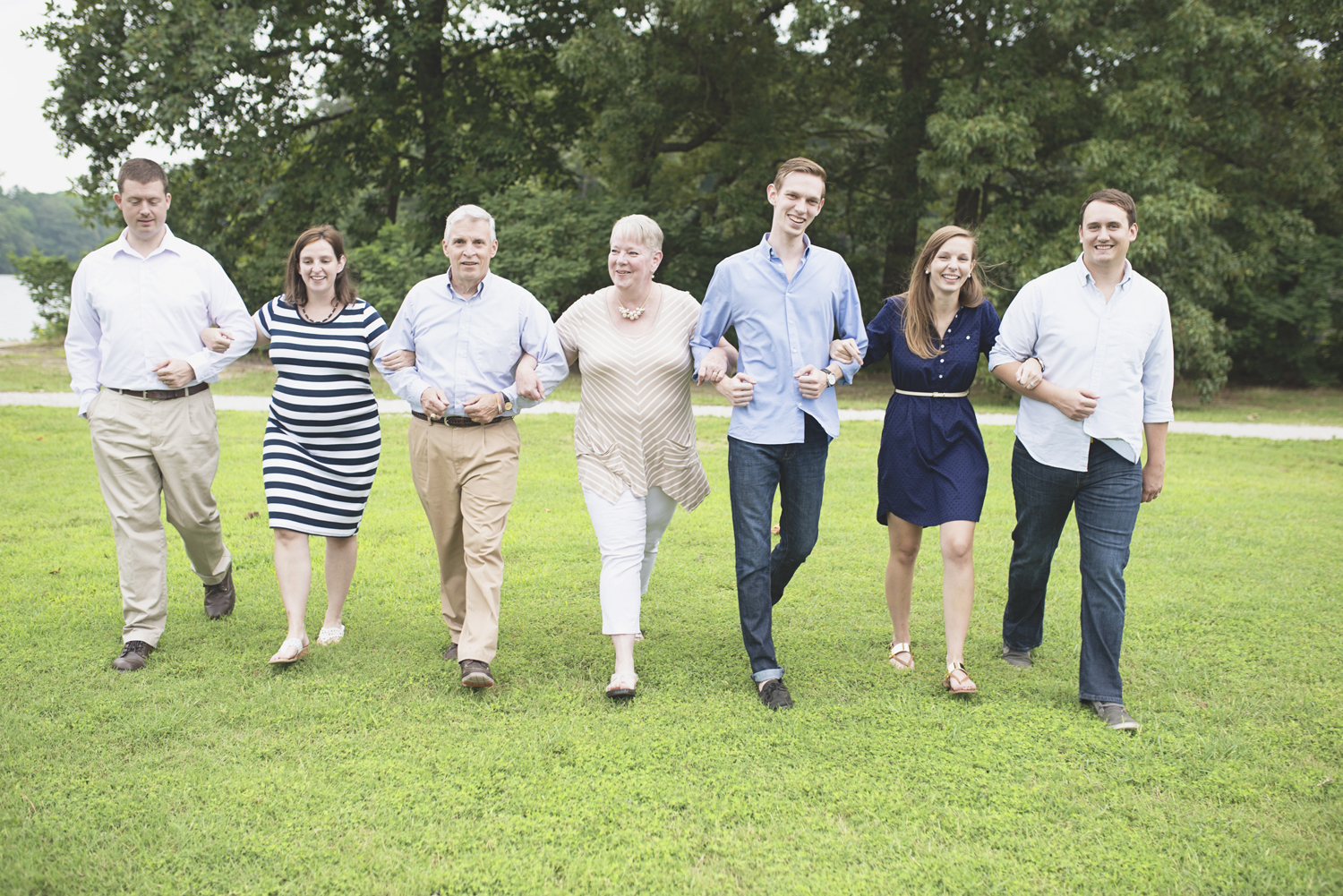 Lions Bridge Family Photos | Newport News, Virginia | Blue, tan, and white family outfit ideas