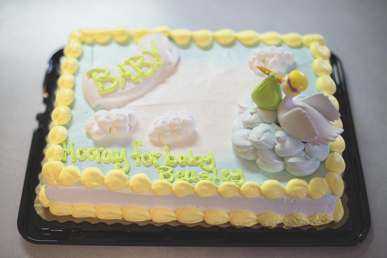 Noah's Ark Themed Baby Shower | Rainbow & colorful baby shower decorations | Stork baby shower cake