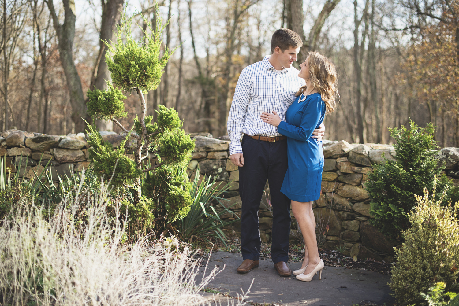 Destination Northern Virginia Engagement Session   Dressy blue and white engagement pictures