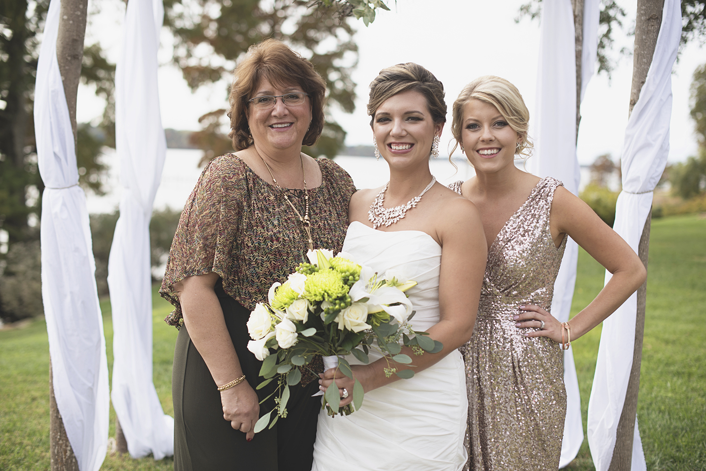 The Wedding Timeline: Family Portraits