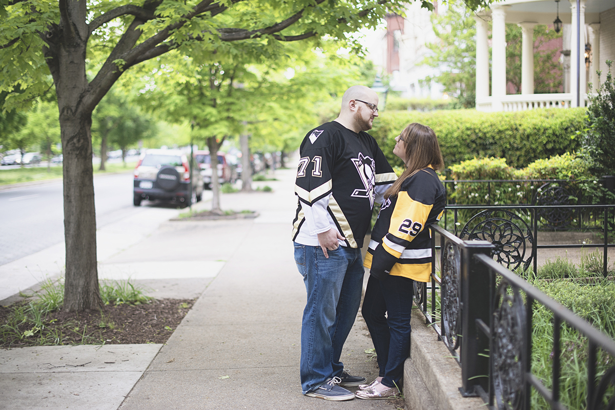 Casual engagement session pictures | Pittsburgh Penguins hockey jersey engagement