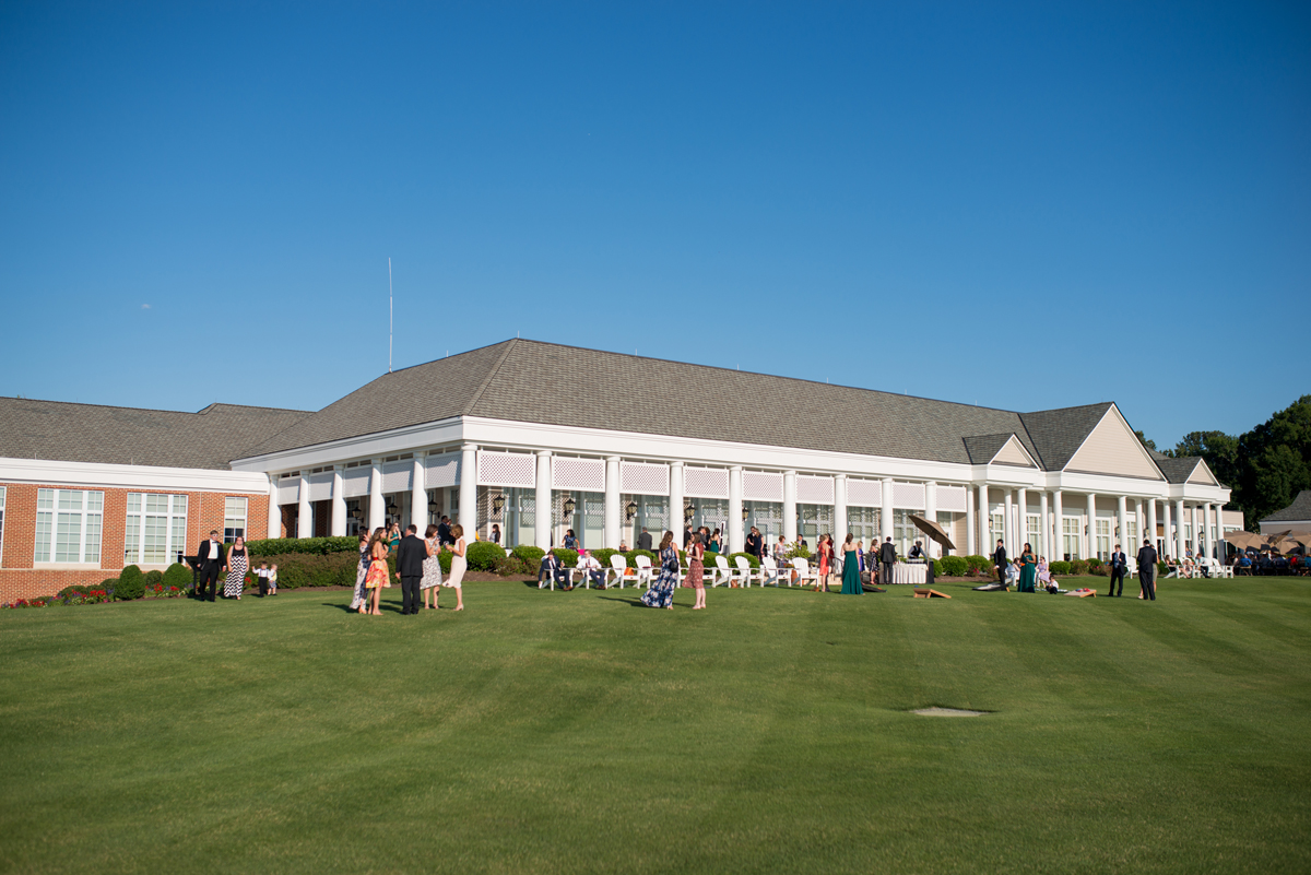 Emerald Green Classic Country Club Wedding | Outdoor Summer Reception