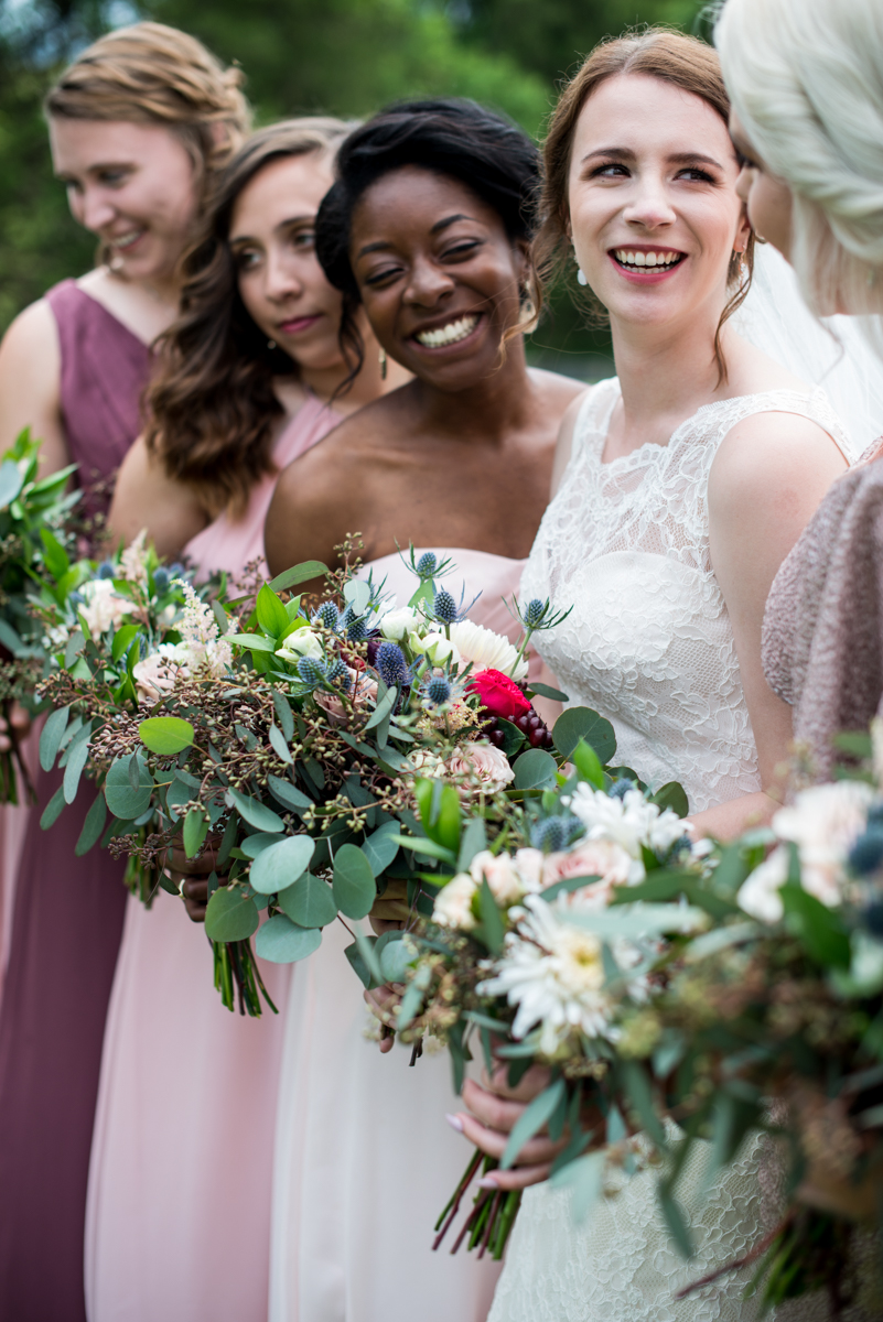 James Monroe Highland Wedding in Charlottesville | Red, white, and blue bridal bouquets
