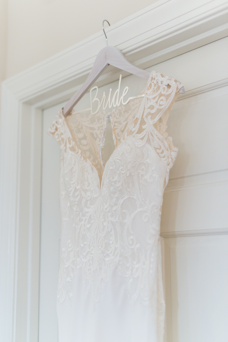 Minimalist White and Green Summer Wedding | Vintage Wedding Dress