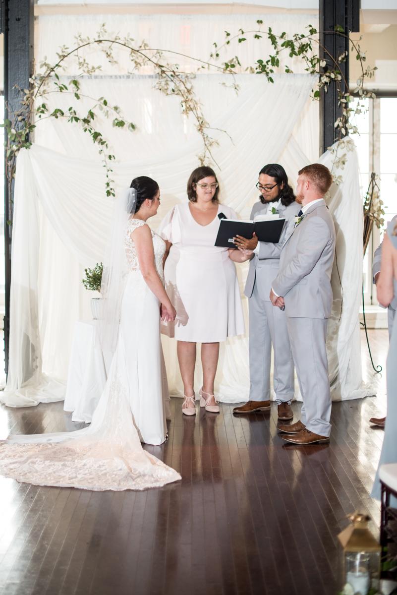Minimalist White and Green Summer Wedding | Wedding ceremony