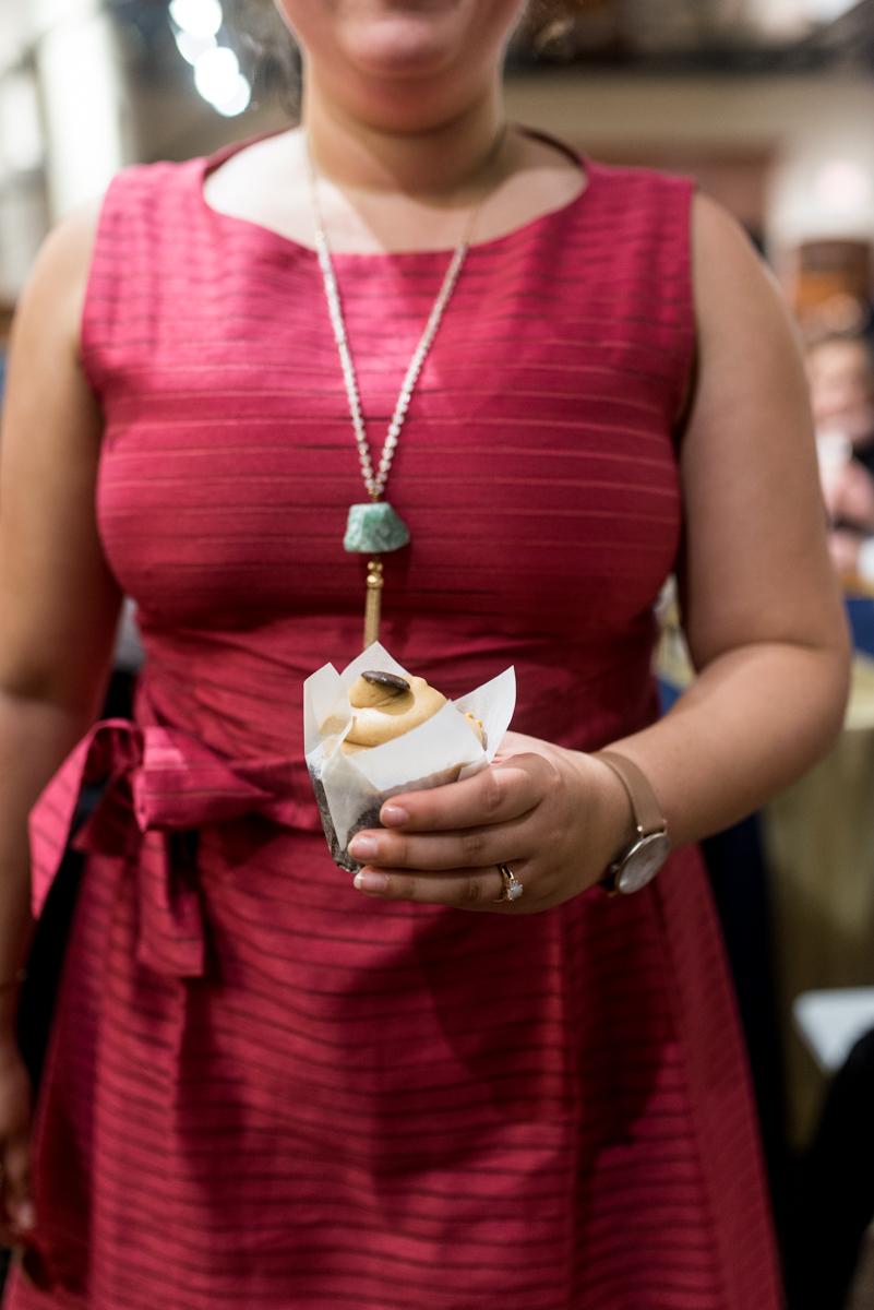 Gold, Blue, and Burgundy Fall Wedding | Wedding cupcake