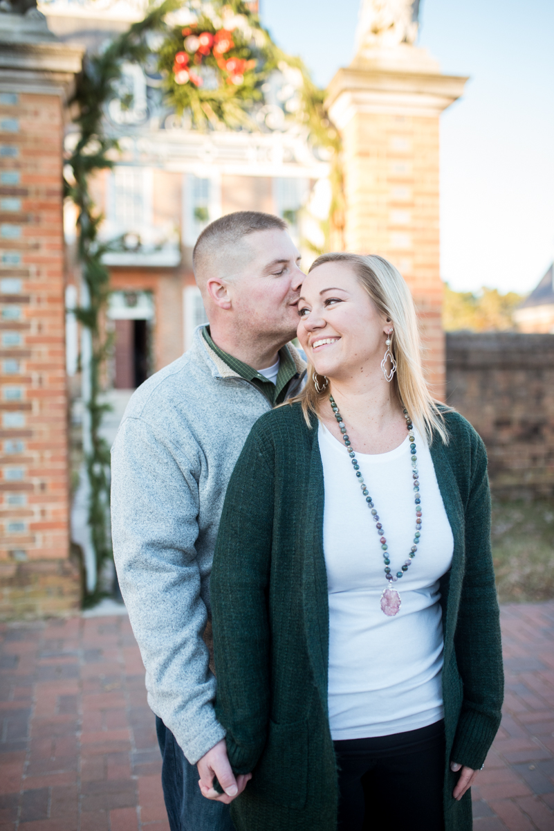 Christmas-themed Williamsburg Engagement Pictures