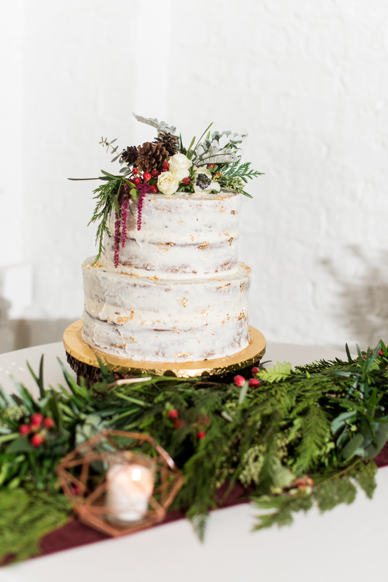 Vintage Winter Wedding with Red and Gray | White and Real Gold Wedding Cake