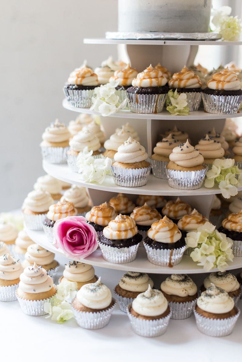 Navy and Gray Wedding | Wedding Cupcakes