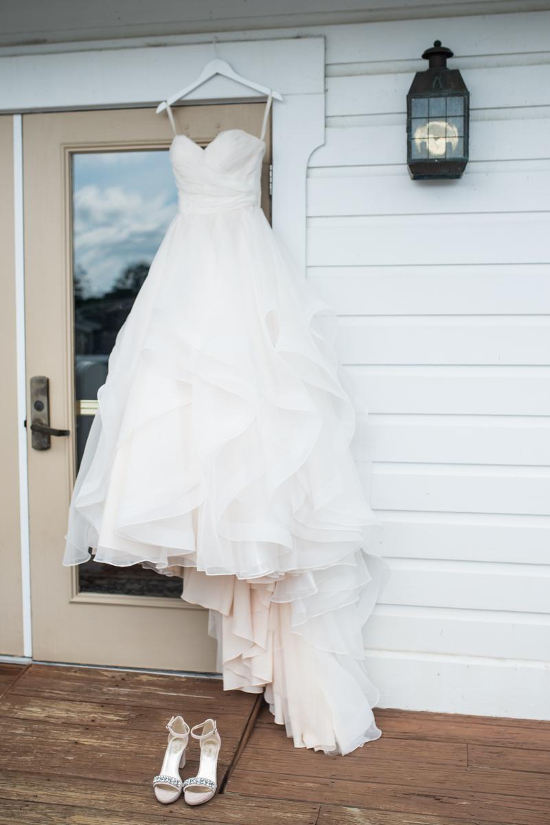 Elegant Summer Wedding in Smithfield, Virginia | Elegant wedding dress