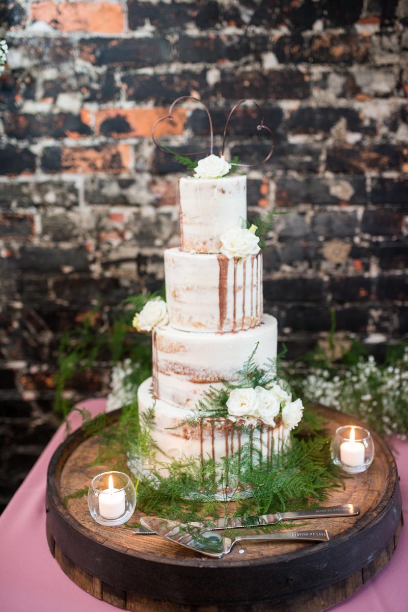Elegant Summer Wedding in Smithfield, Virginia | White and copper wedding cake