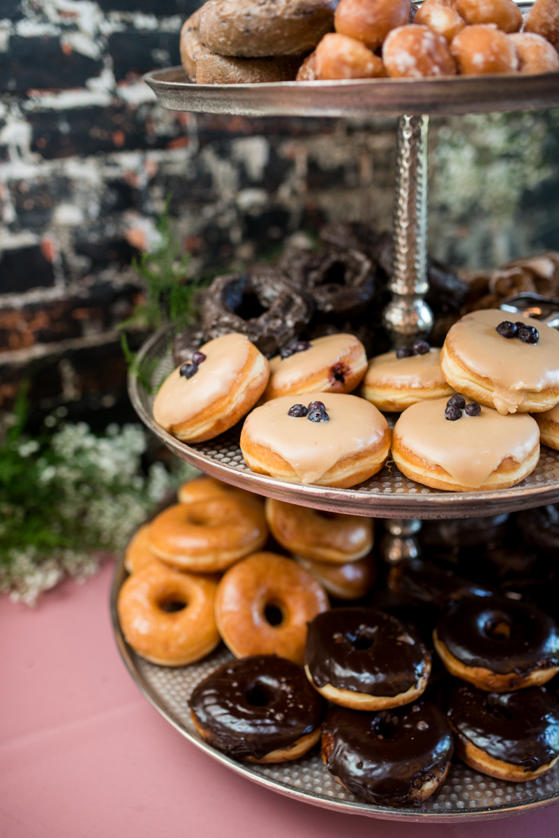 Elegant Summer Wedding in Smithfield, Virginia | Wedding donuts