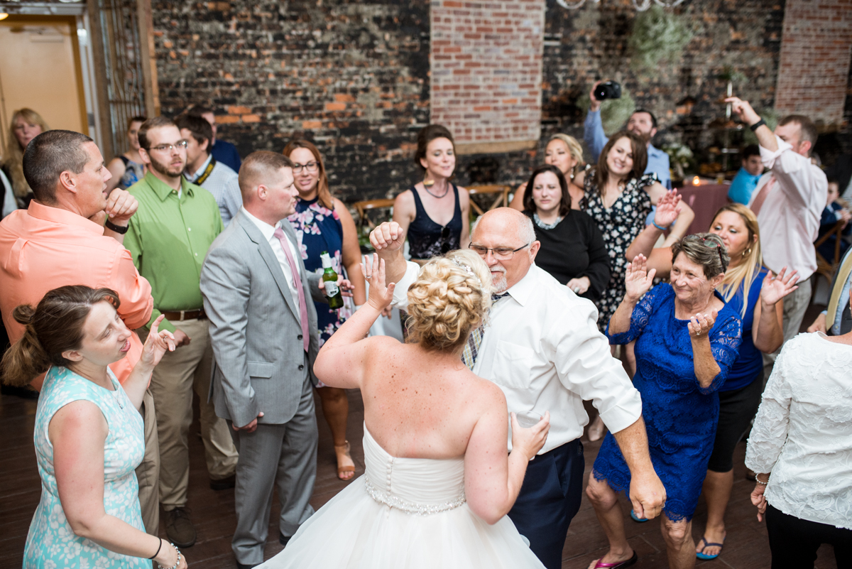 Elegant Summer Wedding in Smithfield, Virginia | Wedding reception dancing