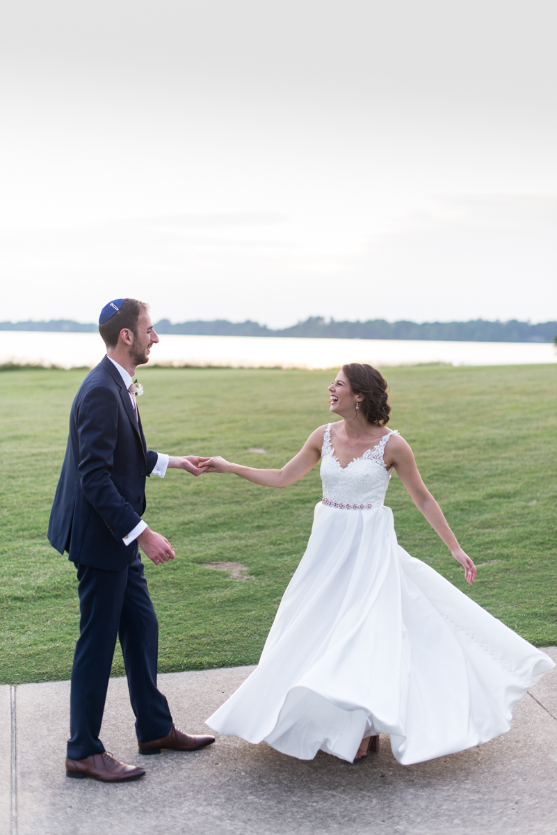 Jewish Summer Wedding in Williamsburg | Bride and groom sunset pictures