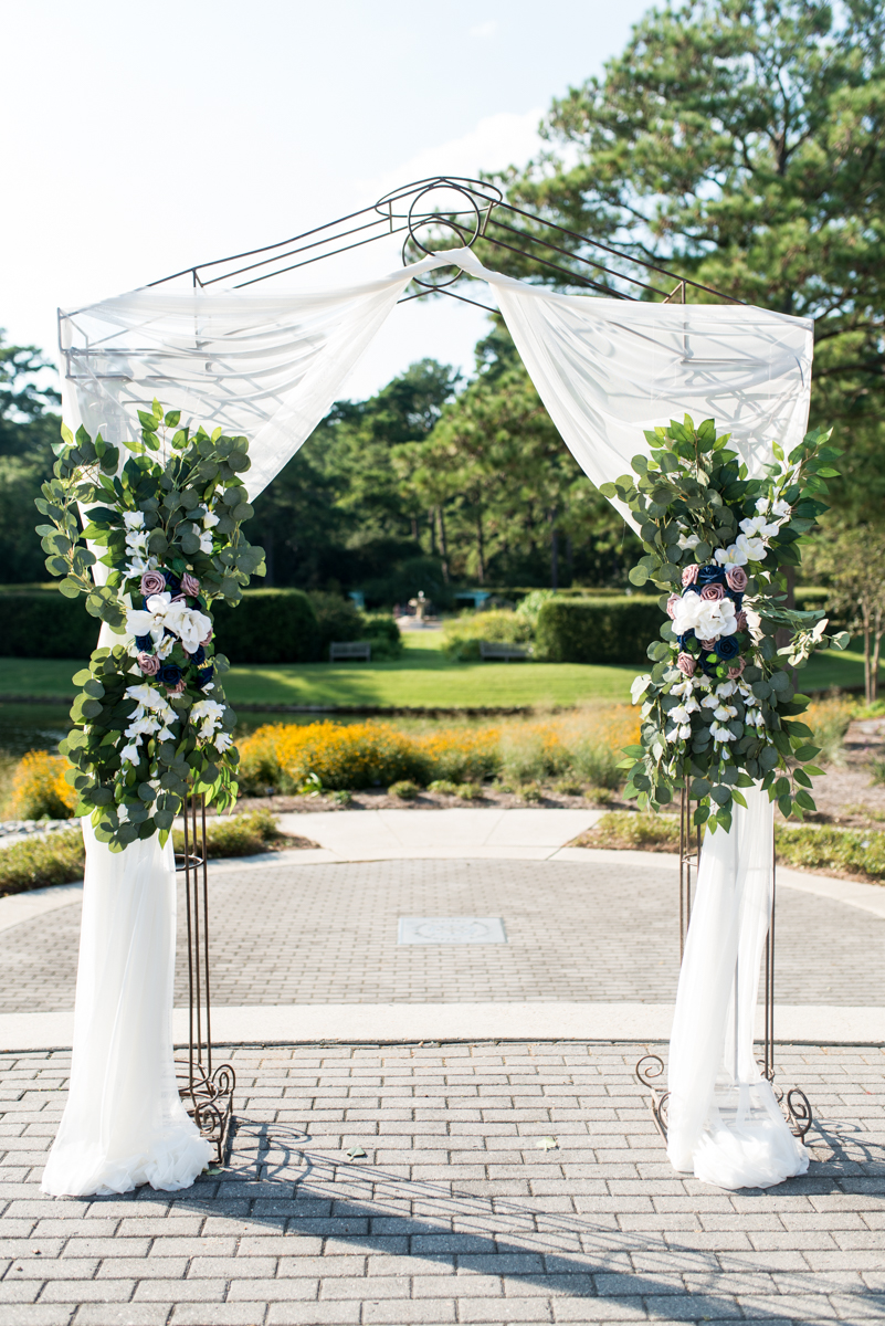 Bright Fall DIY Wedding | Wedding Arch with Flowers