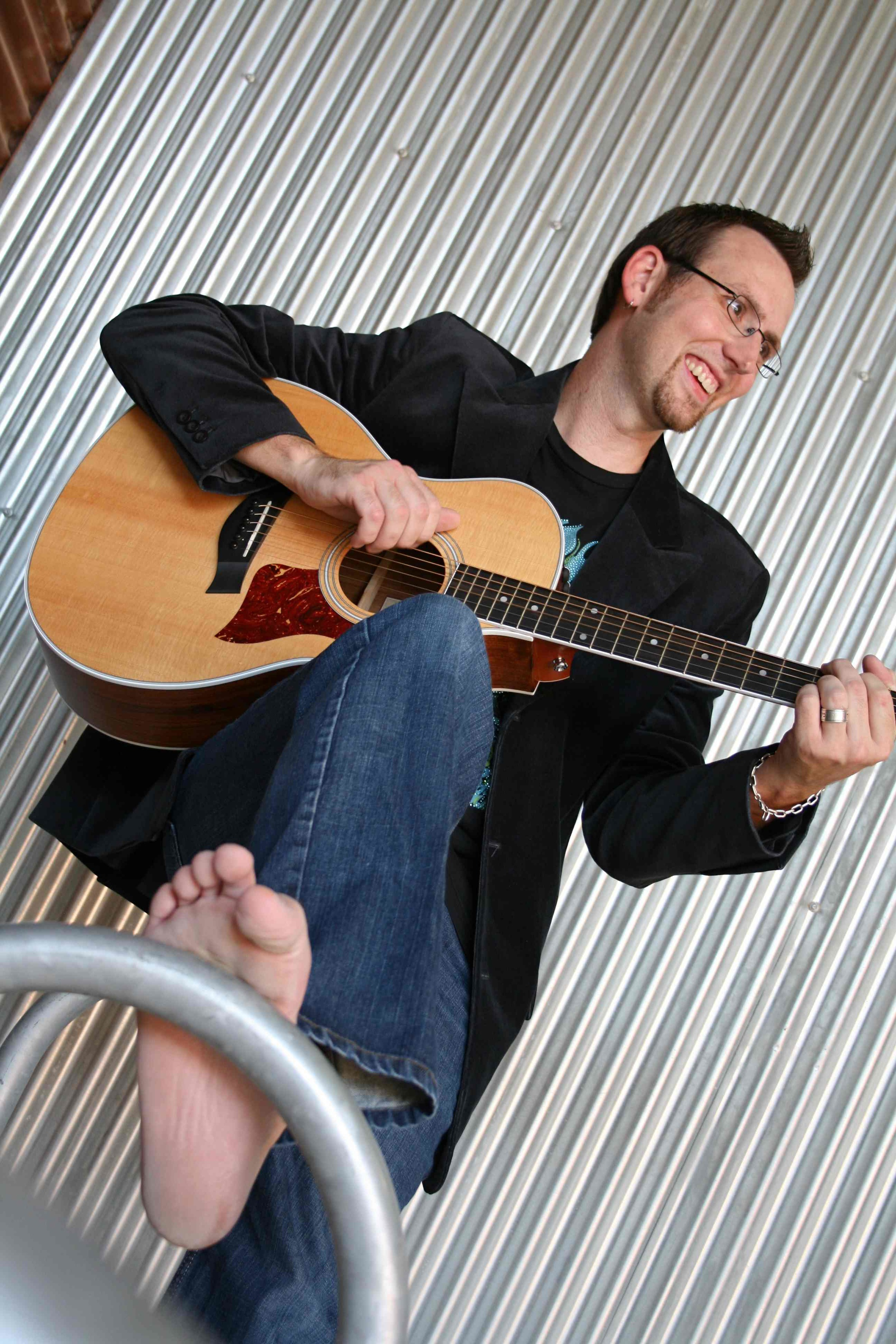 Acoustic and foot-191.jpg