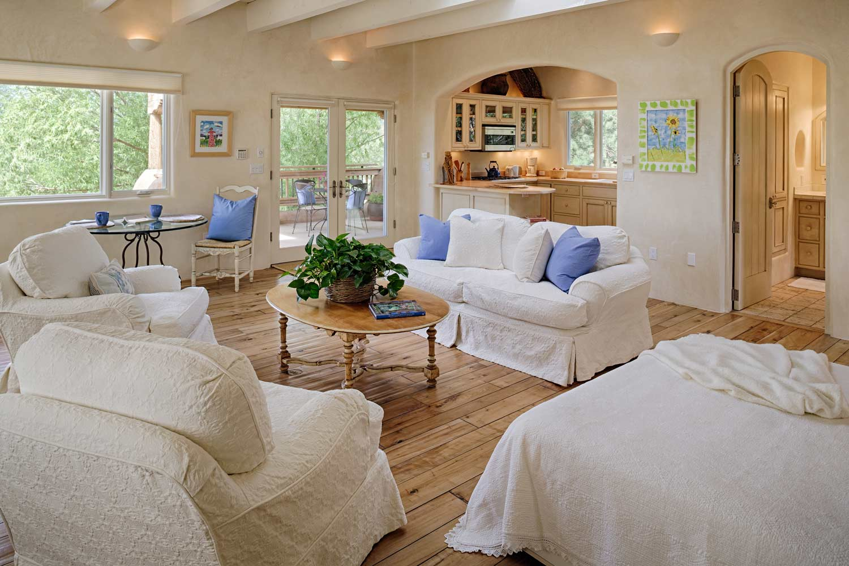 guest-house-main-room-3.jpg